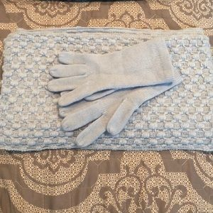NY&C baby blue infinity scarf and glove set